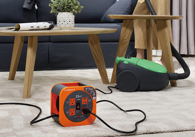 Cable reel 25ft with USB ports